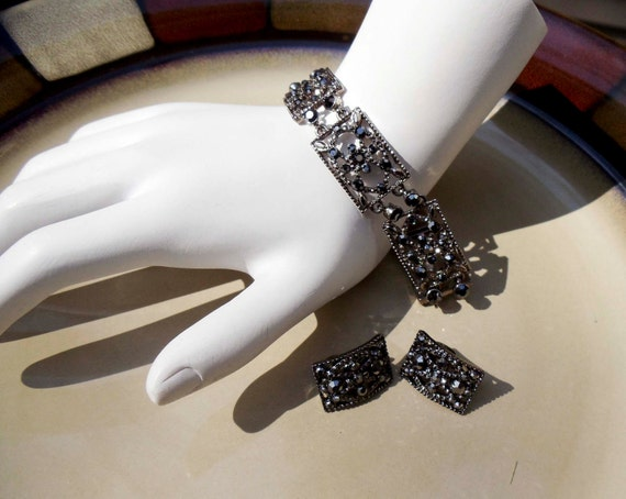 Vintage Monet bracelet earring set