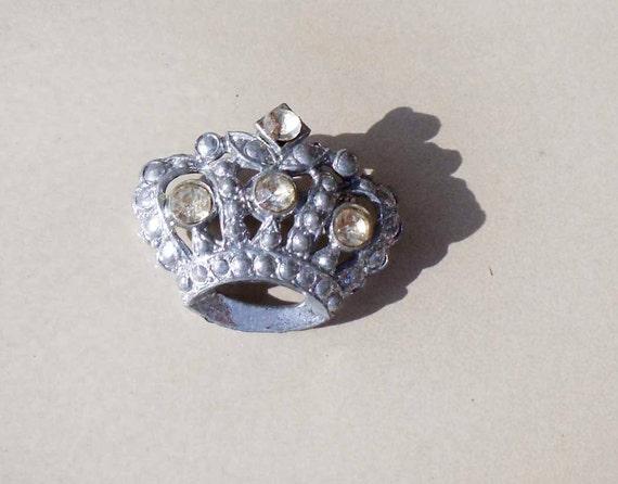 Vintage silver crown rhinestone brooch