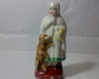 FREE SHIPPING Figurine Little Red Riding Hood smalls vintage knick knacks nic nacs (Vault 14)