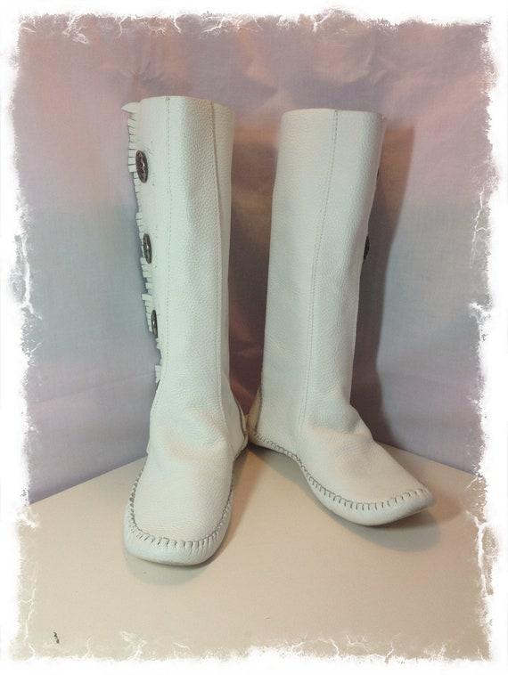 vintage white leather moccasin boots conches by