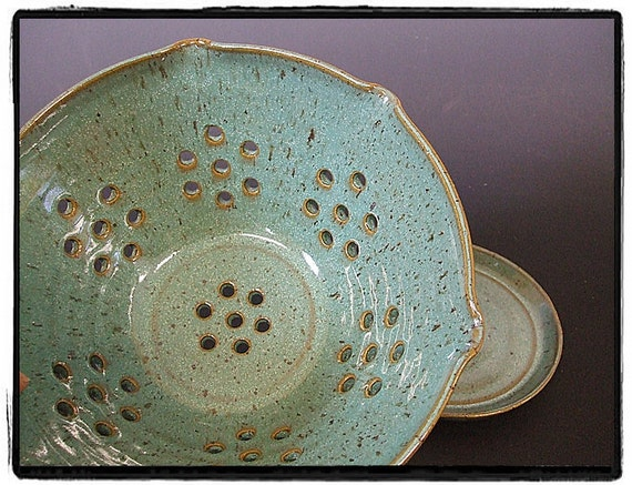 Turquoise Wavy Rim Berry Bowl with Plate by misunrie