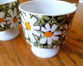 set of two vintage daisy mugs
