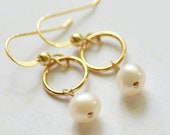 Freshwater Pearl on 14kt Gold Circle Earrings - Circle of Love Earrings - Bridesmaids Gift Set Bridal