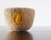 from the pumpkin patch - camel brown felted wool bowl with eco felt pumpkin - Thanksgiving home decor, autumn decor, desk organizer - theFelterie