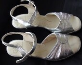 RETRO Retro Shoes High heel  Silver Mettalic SELBY Fifth Avenue Size 6 M