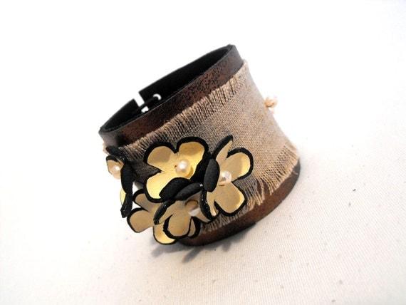 30% OFF SALE   Rustic leather bracelet Fashion cuff bracelet