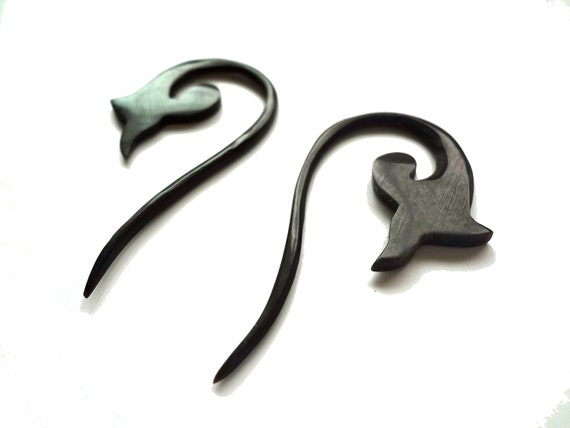 TRIBAL HORN plugs/ EARRINGS - 10 gauge 10g