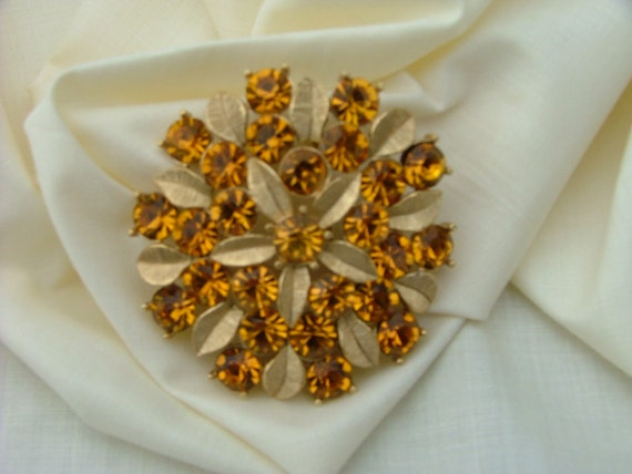 Vintage Gold Rhinestone Brooch Sara Cov