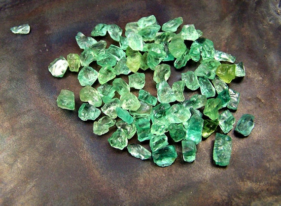 Green  Apatite - crystals - naturally formed - wire wrapping stones - light green  - apatite - raw rough - 1 gram 5 carats