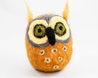 Felted Owl (Golden  Yellow)