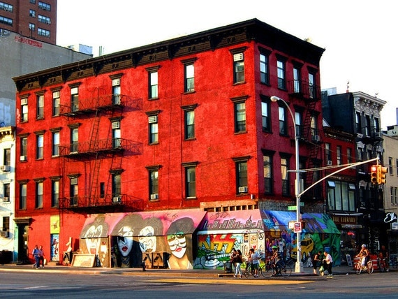 """8""""x10"""" metallic photo print - Red building with Kiss mural"""