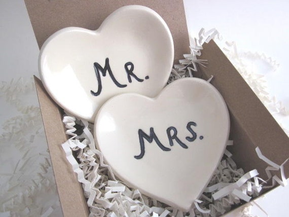 Ring holder - Mr and Mrs wedding heart ring dishes - engagement gift - black and white (w) Handmade