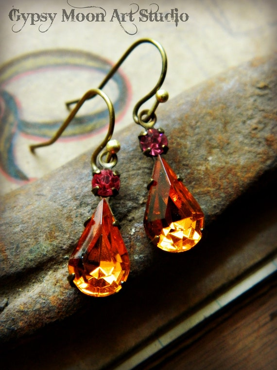 Vintage Rhinestone Earrings. Amber Topaz and Poppy Pink Rhinestone Teardrop Earrings- Harvest Colors for an Autumn Bride- Fall Wedding.