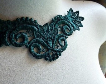 Green Lace Applique  Venise Lace in Emerald City Green for Lace Jewelry, Costume Design  CA 704