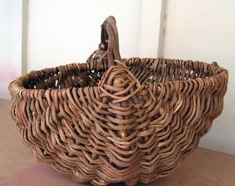 Vintage Buttocks Basket Hand Woven Primitive Country Farmhouse Egg Basket