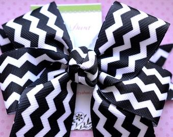 Black and White Chevron XL Diva Bow