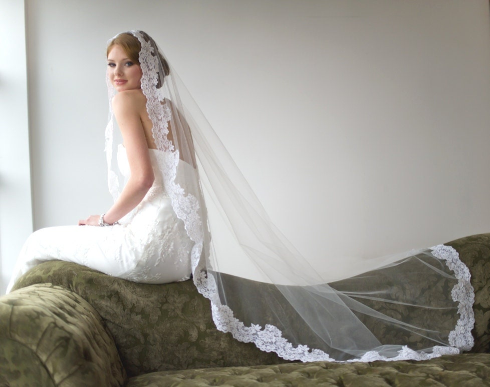 Bridal Veil Traditional Veil Mantilla Chapel Length Veil
