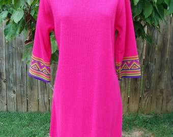 1970s Pink Dress Vintage Border Design Knit by Imperial.