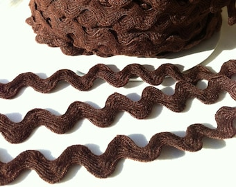Dark Chocolate Brown Ric Rac trim - 11/16 inch wide (17 mm) - 5 yards