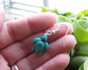 Magnesite Sea Turtle Earrings. Turtle Lover Jewelry. PA4