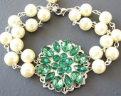 Ivory Pearl Bridal Bracelet Wedding Jewelry Flower Bracelet Bridal Jewelry Green Emerald Bracelet Unique Bridesmaid Gifts Maid of Honor