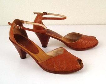 Vintage 1970s Heels Carmel Brown Leather  Wood Woven High Heel Sandals