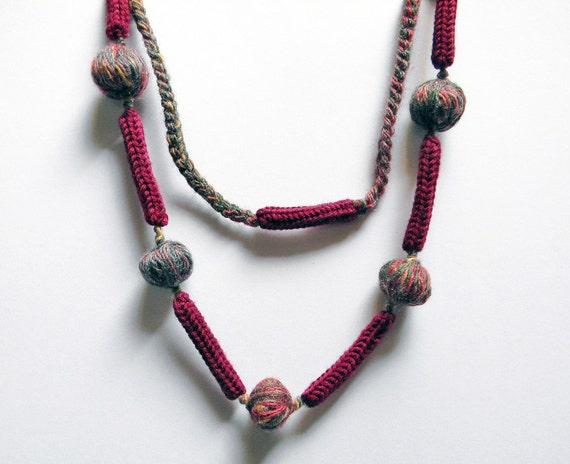 Burgundy and mixed colors wool yarn necklace, handmade wool beads, yarn jewelry