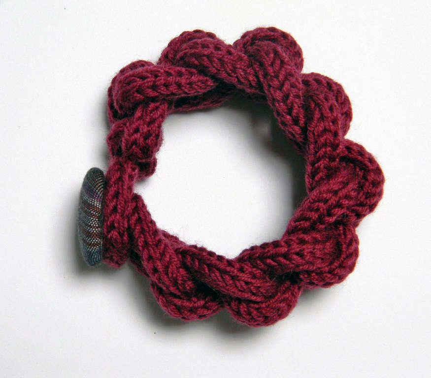 chain knitted and knotted wool yarn bracelet by ylleanna