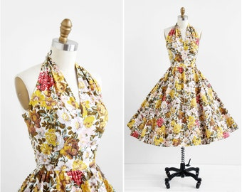 vintage 1950s dress / 50s dress / Floral Print Cotton Marilyn Monroe Bombshell Halter Dress