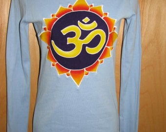 Om Lotus Hoodie Top - size small