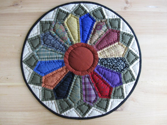 Quilted Table Mat Quilted Table Topper Miniature Quilt Rustic Country Decor Farmhouse Decor Dresden Plate Variation