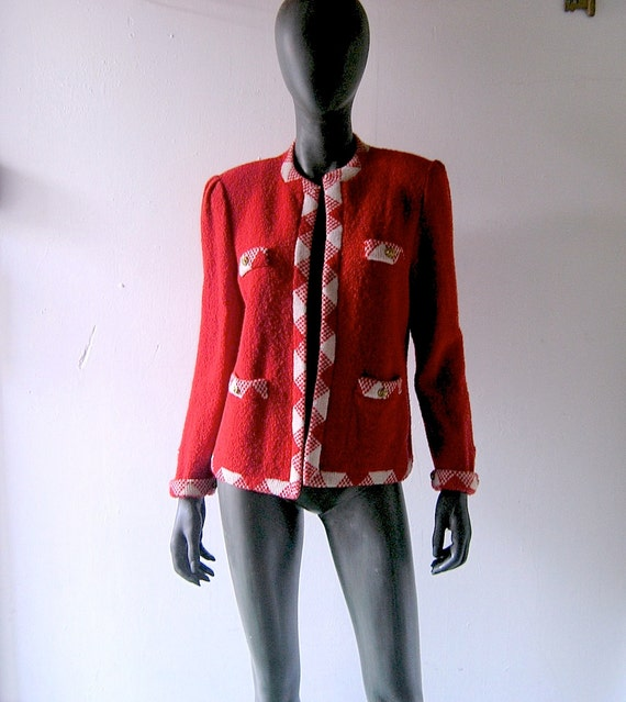 SALE - 80s Reagan Red knit jacket size 6/8 - Dior style Adolfo style red white Santana knit  w/ gold buttons and argyle trim - uptown chic
