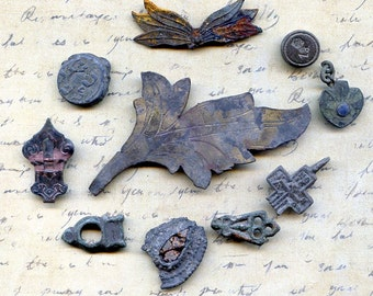 INSTANT COLLECTION of objects found in a private dig... Cool Vintage...  antique... old... T 16  KEEP