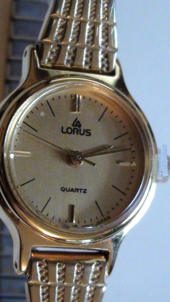 LORUS by Seiko  Wrist Watch  gold Plated Classic Expandable Band thin  Vintage Excellent Condition On SaLe Now