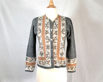 60s Vintage Cardigan Sweater / Gray and Camel Border Pattern /  Extra Small to Small