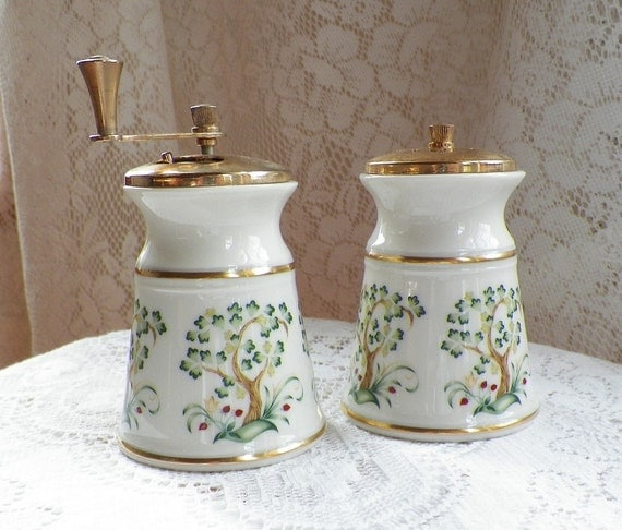 Lenox China Salt Shaker and Pepper Mill Clover Pattern with Gold