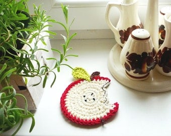 Crochet Coasters- Apple Coasters - Drink Coasters - Apple Trivet - Fruit Coasters - Set of 4 - Gift for Teacher - Rustic Wedding Gift Idea