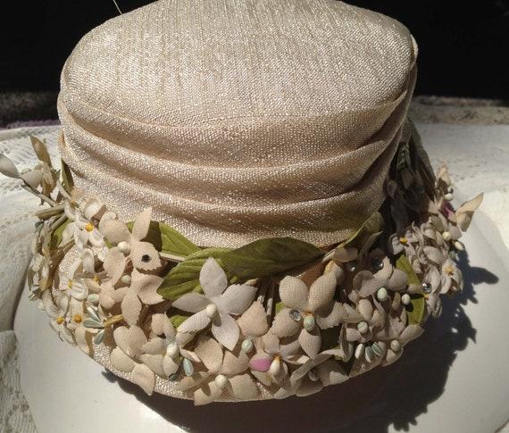 Destash Vintage Hat   - Lovely Little Flowers in Antique White