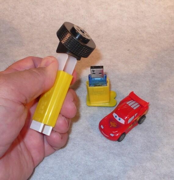 4GB USB Flash Drive / Lightning McQueen Candy Dispenser