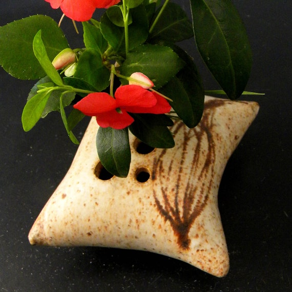 Clay Pillow Shaped Flower Vase Corkweed Design
