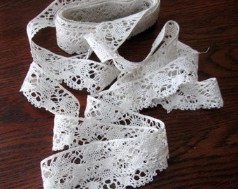 Vintage Bobbin Lace Trim Torchon Edging Hand Made White Off White 149 Inches 1940s