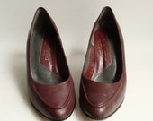 SALE shoes size 6 / burgundy leather heels / 80s pumps / vintage leather heels / shoes 6 / vintage shoes