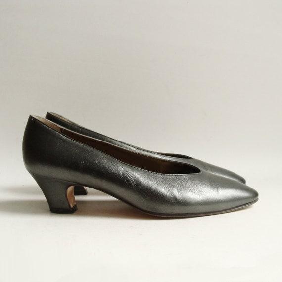 YSL heels / Yves Saint Laurent heels / gunmetal silver heels / shoes 7 / leather heels / shoes size 7 / vintage shoes