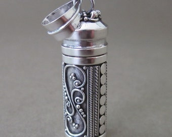 Balinese Silver Secret Container Vintage style Pendant /  silver 925 / 1.2 inch long / Jewelry from Bali Island / reserved for Robert