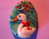 Skholtglass Ducky Christmas--Lampwork focal bead--Signed