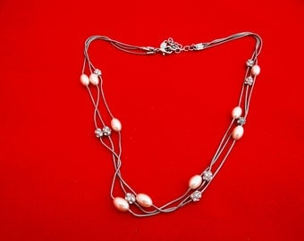 """Vintage 18"""" MONET signed triple strand silver tone necklace with pearla nd rhinestone rondel accents in great condition"""