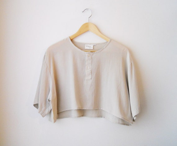 VTG Sand Silk Button Cropped Top
