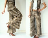 Vintage 70's 2 Piece Argyle Knit Suit / Bell Bottoms + Sweater Vest Matching Set / Extreme Flare Culottes Pants / Cropped Trousers