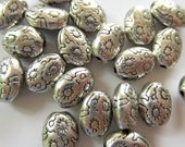 30 Antique silver beads oval embossed tibetan style boho chic 8mm x 6mm-S3