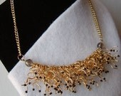 Gold Black Fringe Beaded Choker, el collar negro